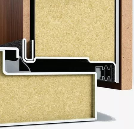 звукоизоляция и уплотнение металлической двери